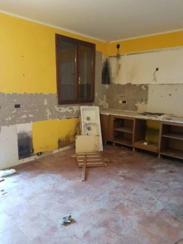 cucina demolita edil 900 costruzioni canossa val d'enza reggio emilia parma
